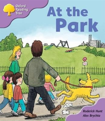 Oxford Reading Tree: Stage 1+: Patterned Stories: at the Park (Paperback): Roderick Hunt
