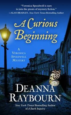A Curious Beginning (Large print, Hardcover, large type edition): Deanna Raybourn